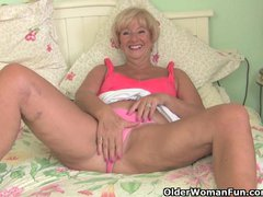 Preview 3 of Chubby Granny Gets Her Old Pussy Fingered By Photographer