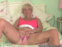 Preview 5 of Chubby Granny Gets Her Old Pussy Fingered By Photographer
