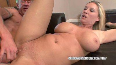 Mature slut Devon Lee gets her sweet twat filled