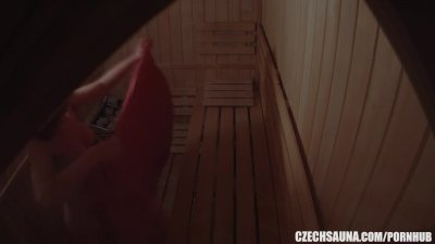 Amateur Three Girls Spied in Sauna