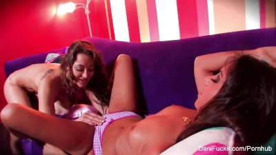 Dani Daniels & Trinity St. Clair have some sexy fun on the couch