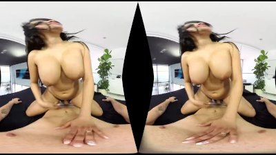 Busty Latina Dances and Shakes Ass for POV in VR on BaDoinkVR.com