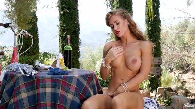 Twistys -Luscious Nicolce plays with her pretty pussy