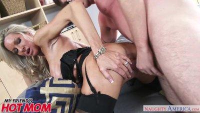 Emma Starr fucks her son\'s friend - My Friends Hot Mom by Naughty America