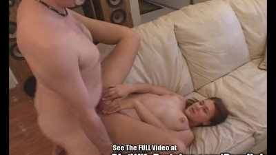 Cute Newlywed Mom Gets Her Smelly Cunt Fucked by Dirty D