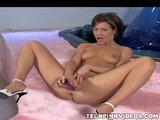 teen girl masturbatingPorn Videos