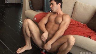 Latin stud cums with dildo
