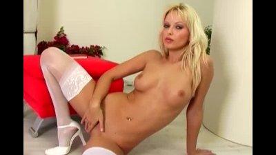 Hot MILF Jana Cova masturbates in stockings