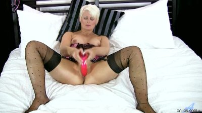 Blonde Cougar Dildo Masturbation