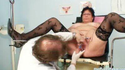 Elder amateur woman weird gyno clinic exam