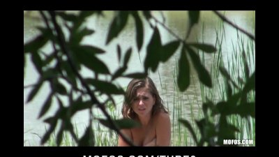 BRUNETTE TEEN CAUGHT OUTDOORS OILING TITS FUCKS BIG COCK OUTDOORS