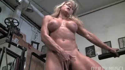Mature blond hottie