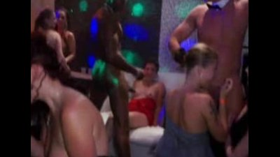 Hot Party Girls In Blowjob Action