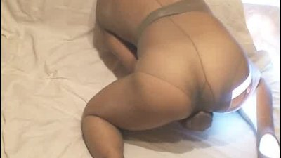 Grey pantyhose and orgasm