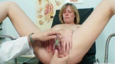 Big tits milf Agnesa perverted