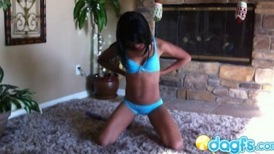 Gorgeous ebony Amber on the fl