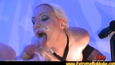 BBW gets fucked after sucking cocks