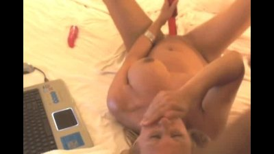 Jizz Explosion on her Face HD