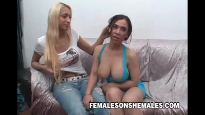 Naughty Shemale Lola Snags And Shags
