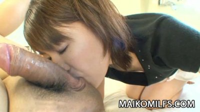 Japanese MILF Miki Ando wants