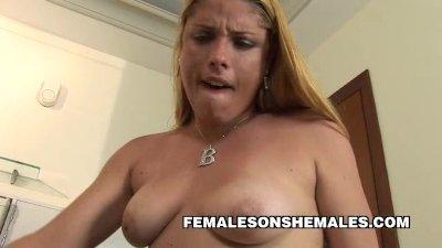 Shemale Bianca Duarte Fucks Busty Latina Babe