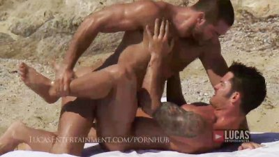 Hot hung muscle jocks fuck on the beach