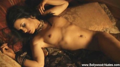 Boiling hot Brunette Hot Stomach Dance
