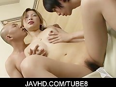 Foursome with hot asian babe Shiho Kanou trying really hard