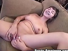 Vanessa packing pussy with fingers and toy