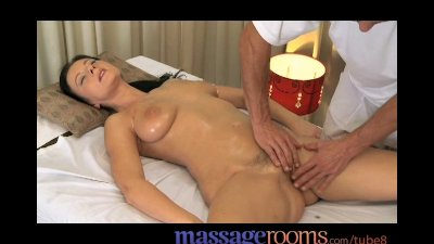 massage sensual female-friendl