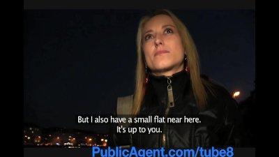 PublicAgent Blonde amateur mod