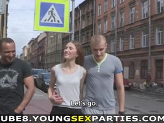 Young Sex Parties - Guys fuck their girlfriends together