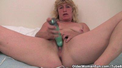 Grandma with hard nipples needs to get off