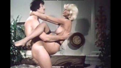 Blondie fuck in classic porn m