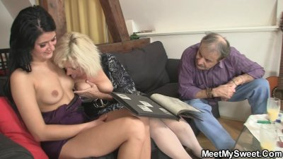 He finds his GF fucking his old parents