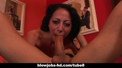 Horny brunette Veronica Jett gets deepthroated hard