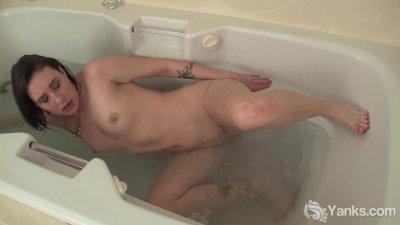 Midget sexy xxx bathtub sexy babes faucet girls indianapolis