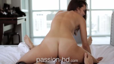Passion-HD Plumber lays his pi