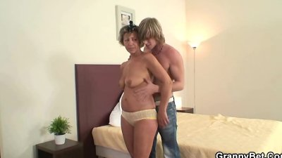 Guy drills mature pussy after wild party