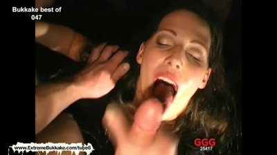 Viktoria deepthroats a group of studs and gets rewarded with their juices