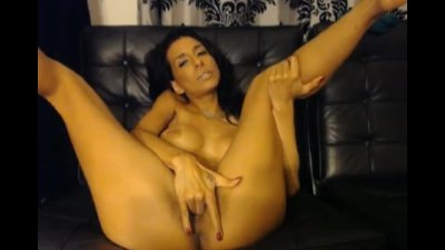 Perfect Ass Babe Rides her Dildo