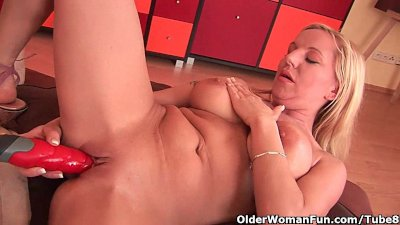 41 year old soccer mom fucks herself with a dildo