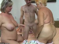 Порно групповое со старыми