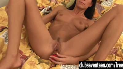 Teen Gaby fucking pussy with a dildo