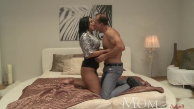 MOM New MOM needs a helping hand to climax