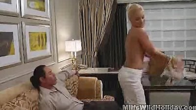 Milf Babe Heidi Picks Up A Str