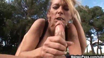 Debbie diamond is fuckkking freak
