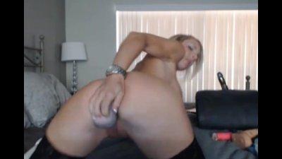 Blonde Hottie Licks her Cum off her DIldo