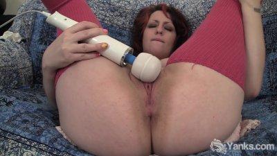 Chubby Hannah Vibrating Her Pu