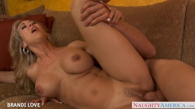Beauty blondie Brandi Love fucking